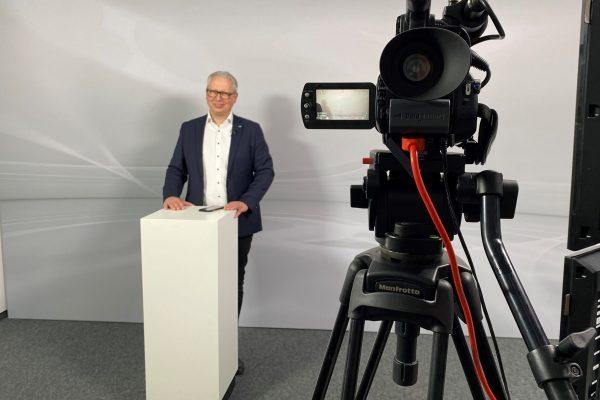 Bild1_Studio und Moderator